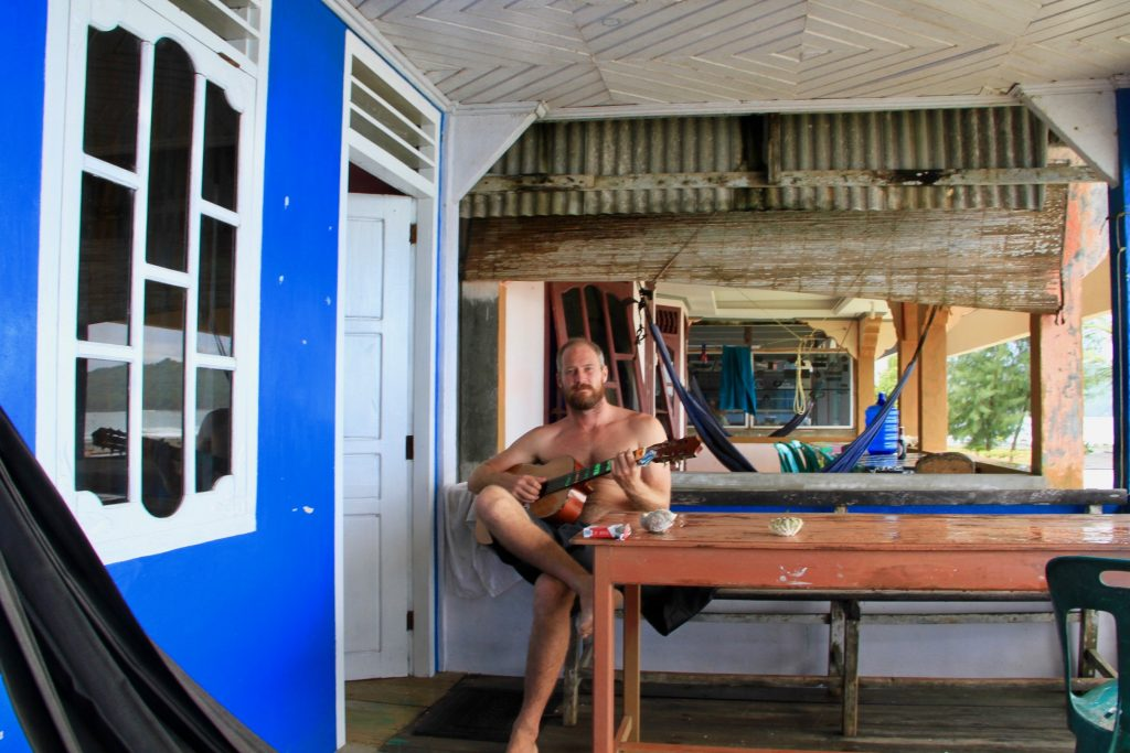 nias-accommodation-surf-7